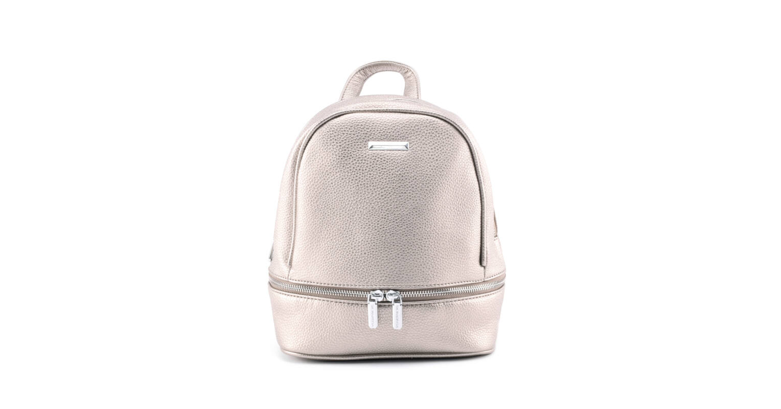 9442ea8e44db Silvia Rosa ezüstös cipzáras női műbőr hátizsák - Műbőr - Táska webáruház -  Minőségi táskák mindenkinek