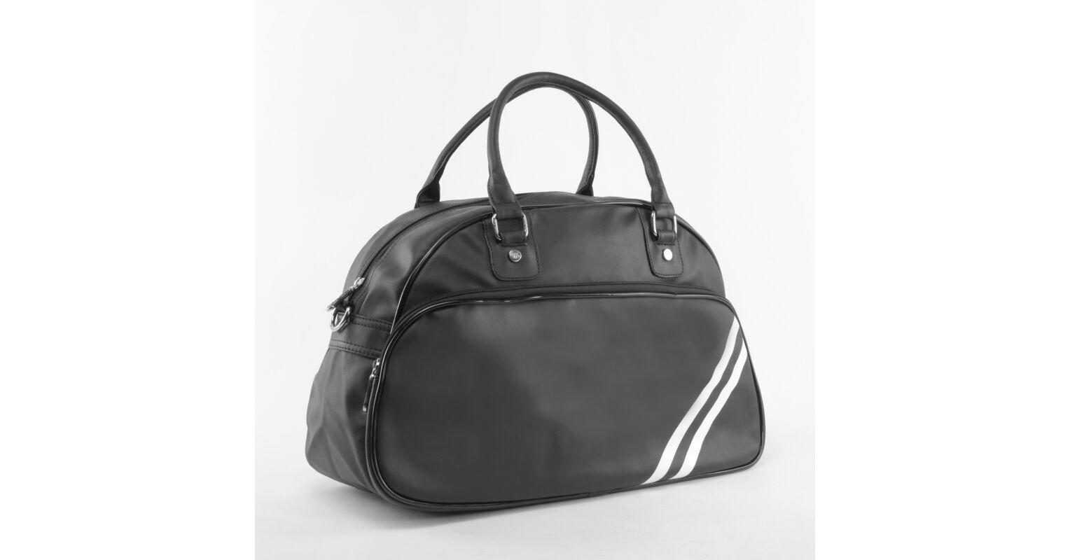 5d904dcad490 Besty Női Fekete Műbőr Utazótáska - KÖZEPES MÉRETŰ UTAZÓTÁSKA - Táska  webáruház - Minőségi táskák mindenkinek