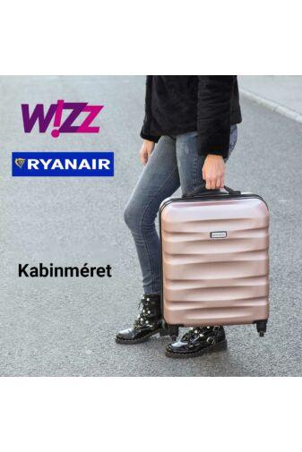 Fekete .Ryanair Méretű Kabinbőrönd Biztonsági Zárral ( 55x40x20 cm)