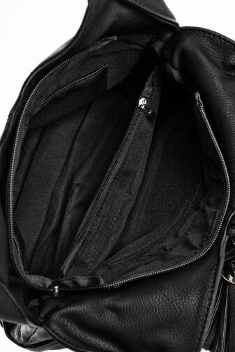 JGL Fekete Műbőr Válltáska Bojtokkal És Szívekkel Díszítve