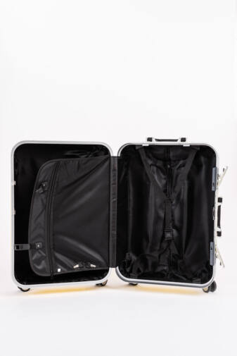 LDV Kis Méretű Piros Kemény Kabinbőrönd(56x 41x 29cm)
