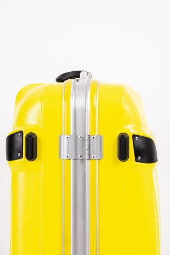 LDV Közepes Méretű Sárga Műanyag Kemény Bőrönd ( 66x 48x 34cm)