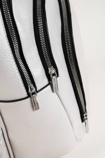 Gyöngyház Fehér 3 cipzáras Silvia Rosa divatos hátizsák