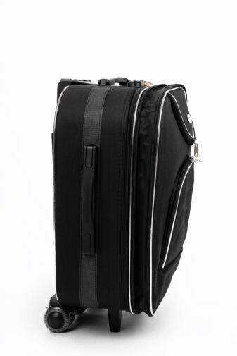 Fekete Színű Puha Közepes Méretű Bőrönd