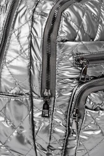 Ezüst Színű Steppelt Vízlepergető Fényes Anyagú Női Hátizsák