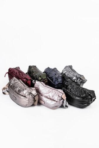 Fekete Színű Női PVC Anyagú Vízhatlan Oldaltáska