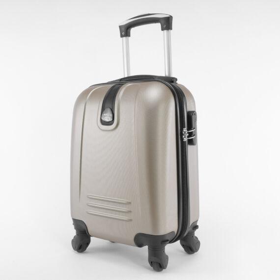 LDV pezsgő Wizzair ingyenes méretű kabinbőrönd (40x30x20 cm)