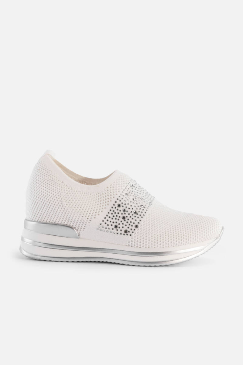 Fehér belebújós gyöngyös hálós rejtett magassarkú utcai cipő