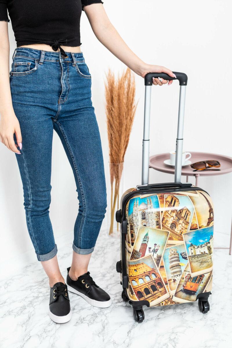 Épület Mintás Wizzair, Ryanair Méretű Kabinbőrönd(53*36*20cm)