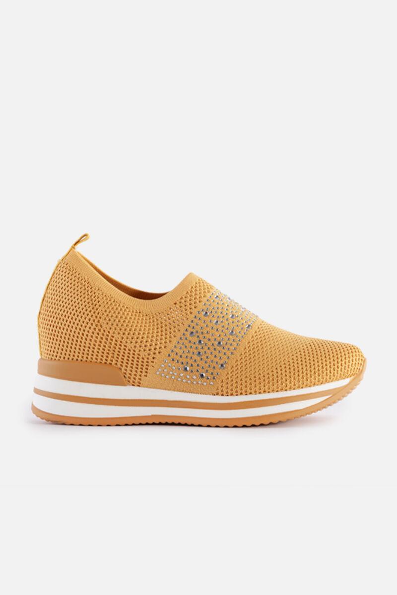 Sárga, belebújós gyöngyös hálós rejtett magassarkú utcai cipő