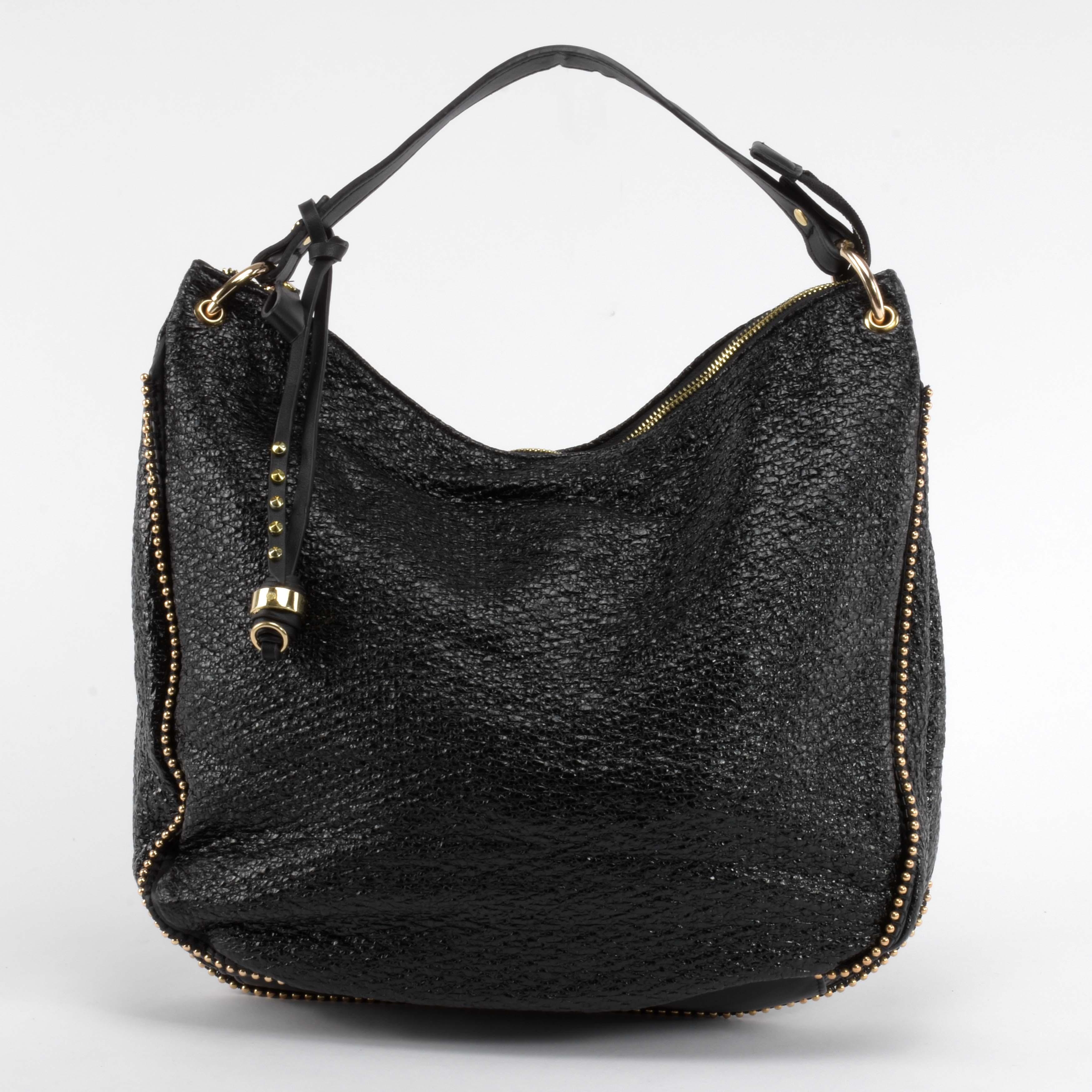 921fc8e37dfa Női Fekete Műbőr Válltáska Aranyszínű Díszítéssel - Válltáskák - Táska  webáruház - Minőségi táskák mindenkinek